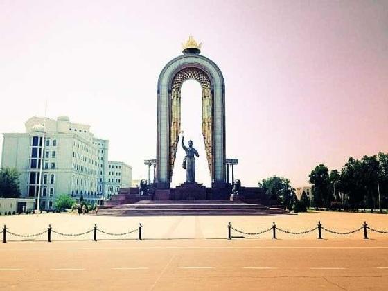 Statue of Ismaili Somoni in Dushanbe. At the corner of Somoni avenue and Somoni boulevard. Just a 3 Somoni cab ride from Somoni park.